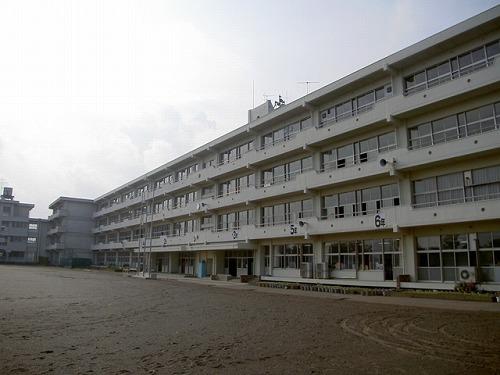 大富小学校
