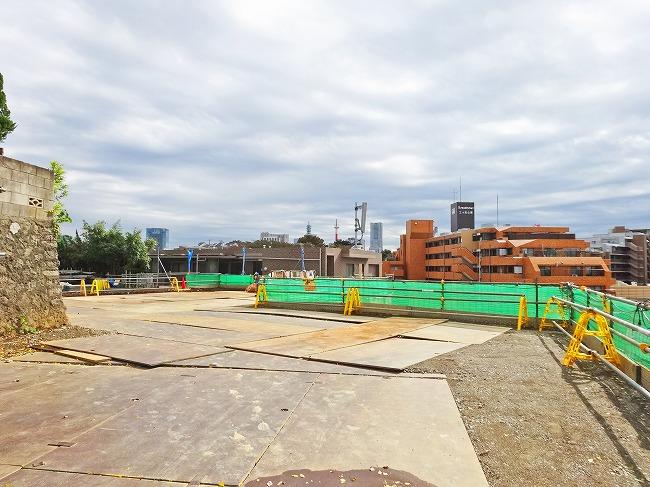 「グランスイート横濱 翠の丘」建設工事中の現地(2016年11月現在)