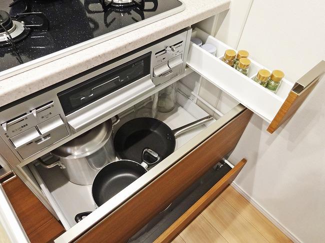 Luxmore(ラクモア)キッチン 収納